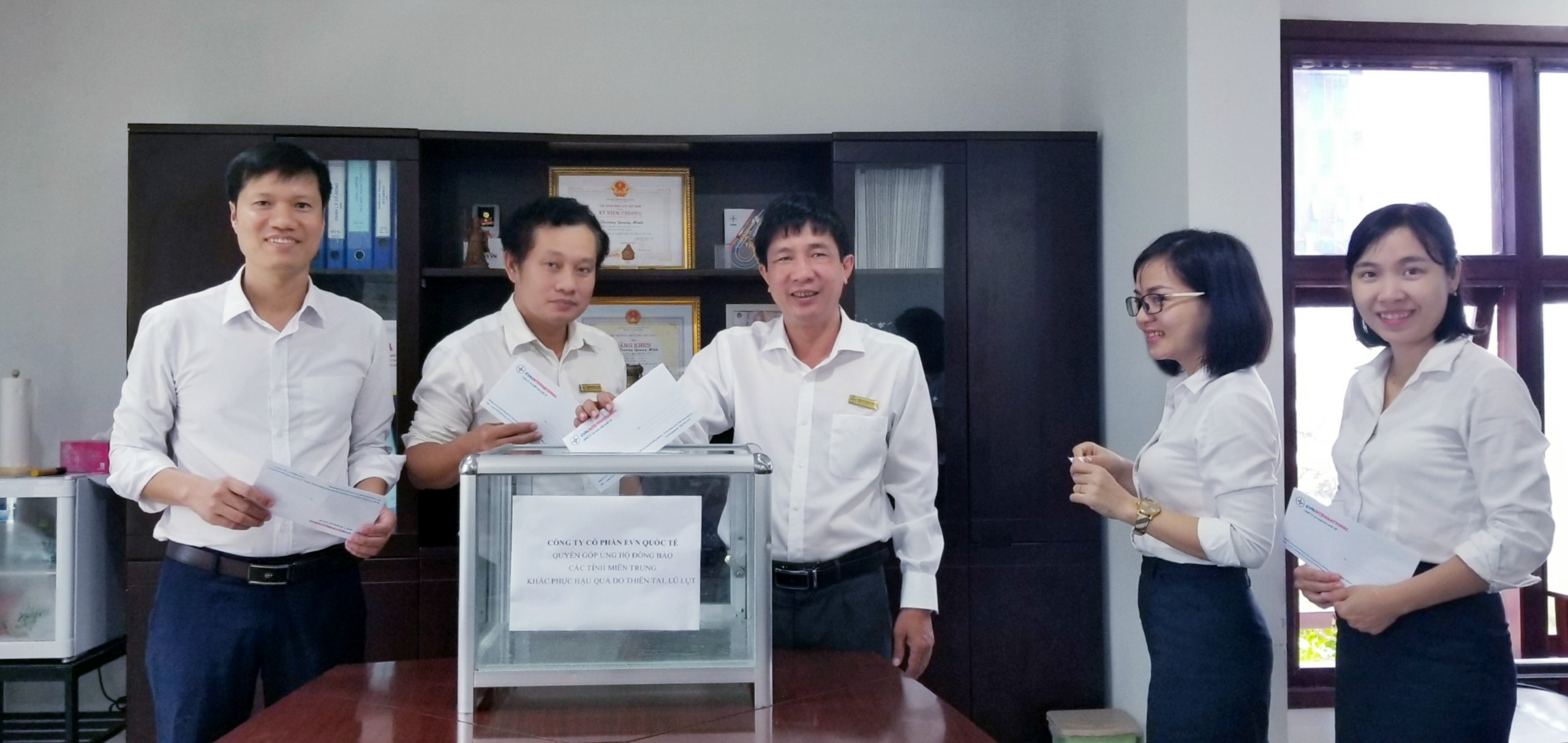CBNV Công ty cổ phần EVN Quốc tế (EVNI) Cùng hướng về khúc ruột Miền Trung trong cơn bão lũ